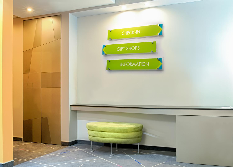 SOK 9 050 Hotoe lobby signs greenshutterstock 402854578